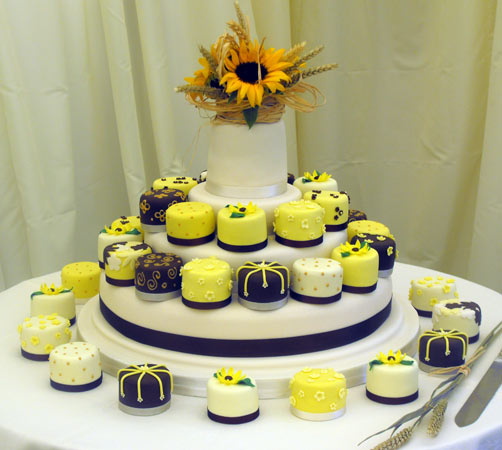 Sunflower Wedding Cake Ideas: Evi's Blog: There Are Also Cocktail Wedding Receptions
