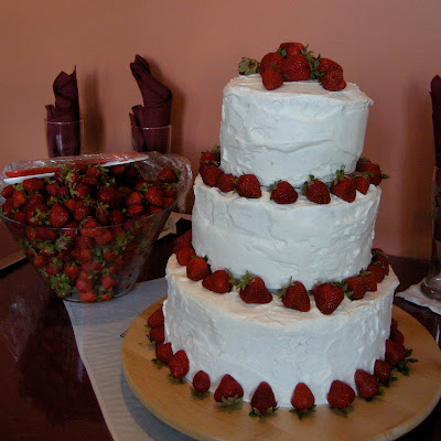 whipped cream wedding cake pictures wedding cake that looks like wedding 27176