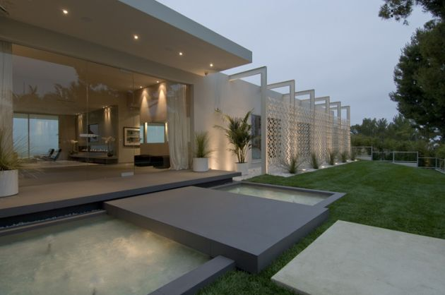 Ultra Modern Beverly Hills Home Modern Design By Moderndesign Org