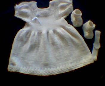 b4e42432bf Mari kézimunka: Kötött keresztelőruha