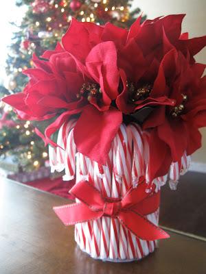 DIY Candy Cane Vase | Candy Cane Vase | Vase Ideas | Table Centerpiece Ideas | Heart Themed Vase