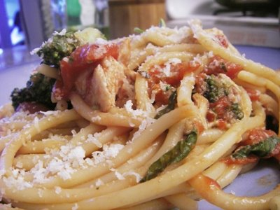 Chicken Pasta with Tomato Sauce