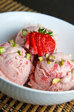 Roasted Strawberry Balsamic Ice Cream