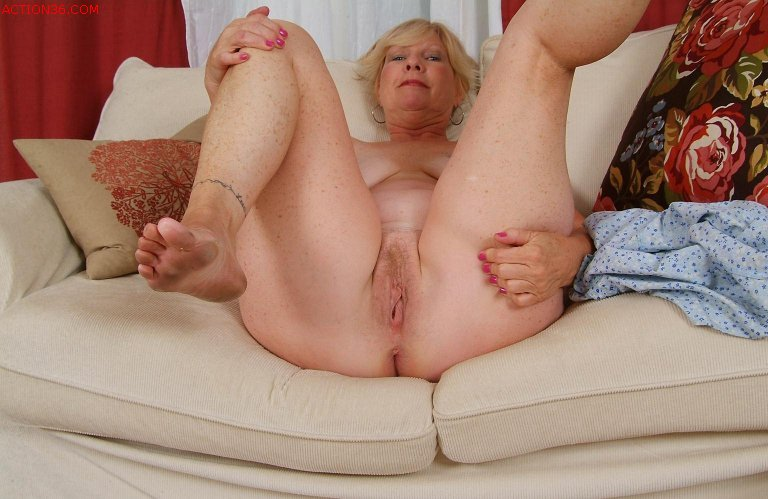 grannie old slut pic muture