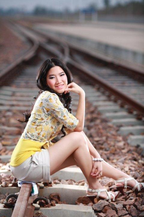 Beautiful Lao Girls