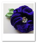 crocheted peony brooch tutorial