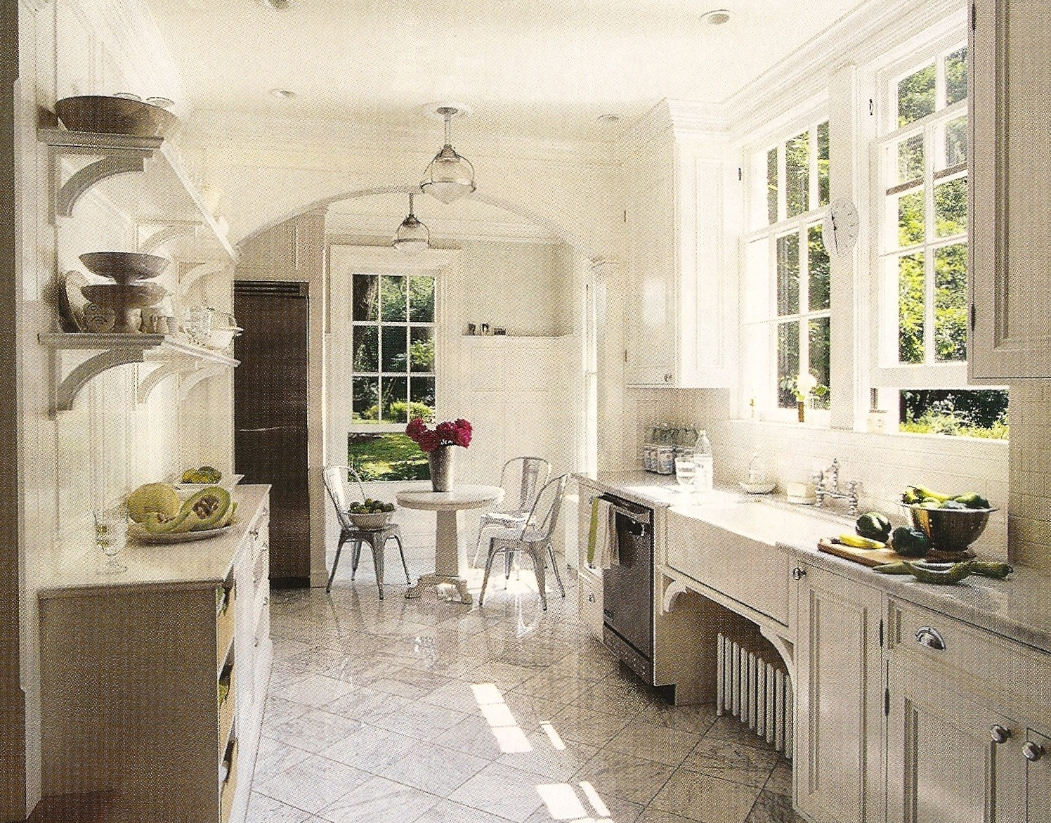 design dump: white kitchens: always classic