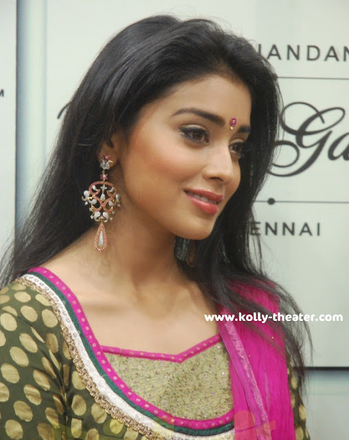 Simbu and Shriya @ Hiranandani Palace Gardens stills 2