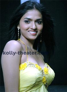 Sunaina does glamorous roles