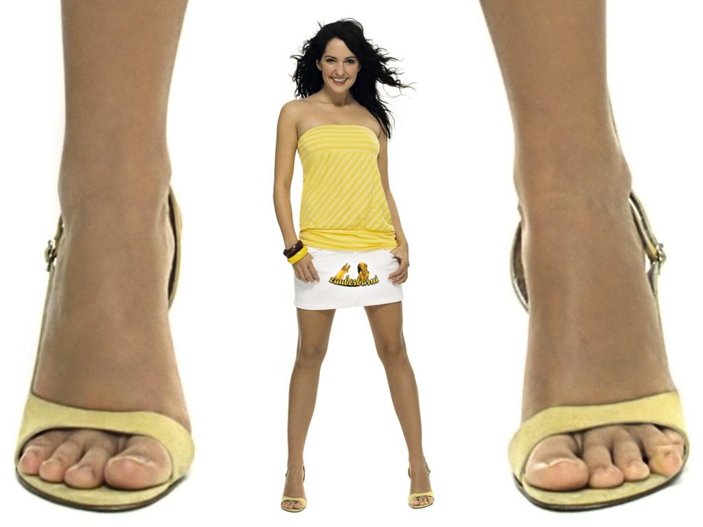 johanna klum feet celeb foot fetish female celebrity feet pics vids. Black Bedroom Furniture Sets. Home Design Ideas