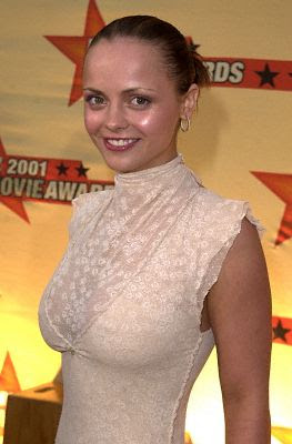 Can what size are christina ricci boobs