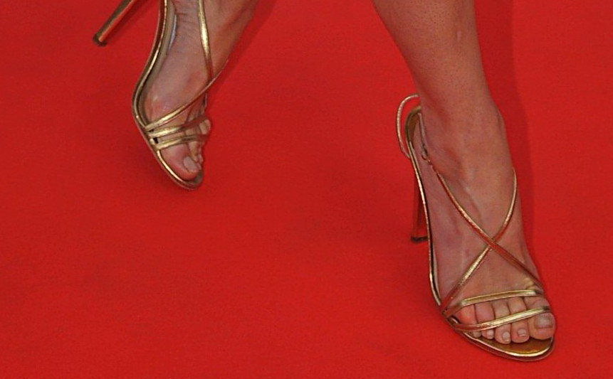 Have Loni anderson toes