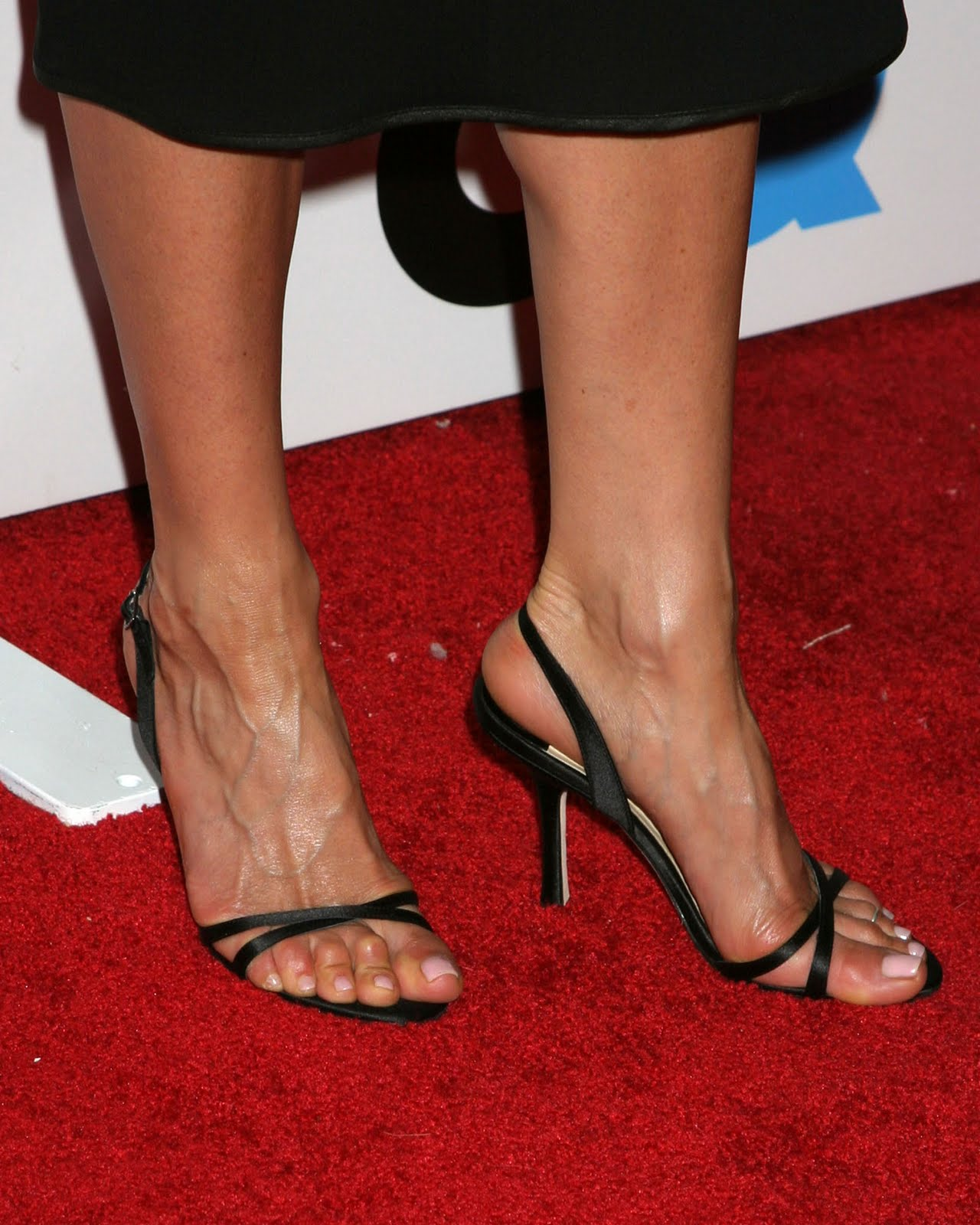 jennifer aniston feet