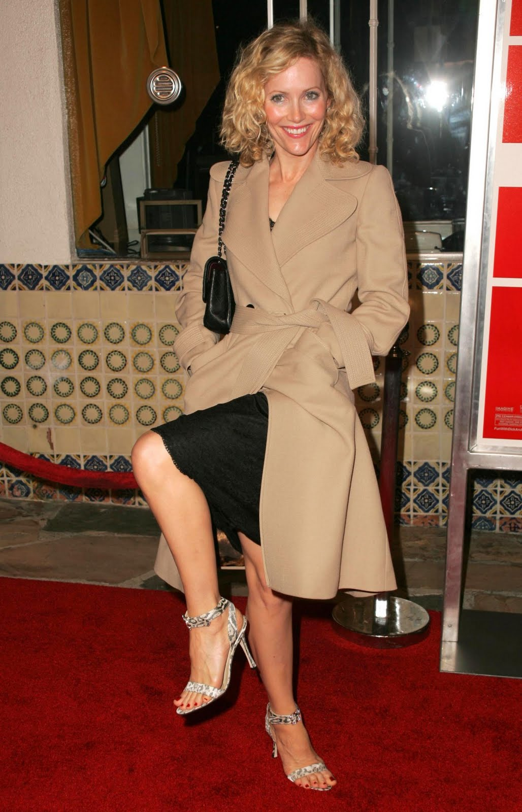 HAlLe Beauty Blog: Leslie Mann Feet
