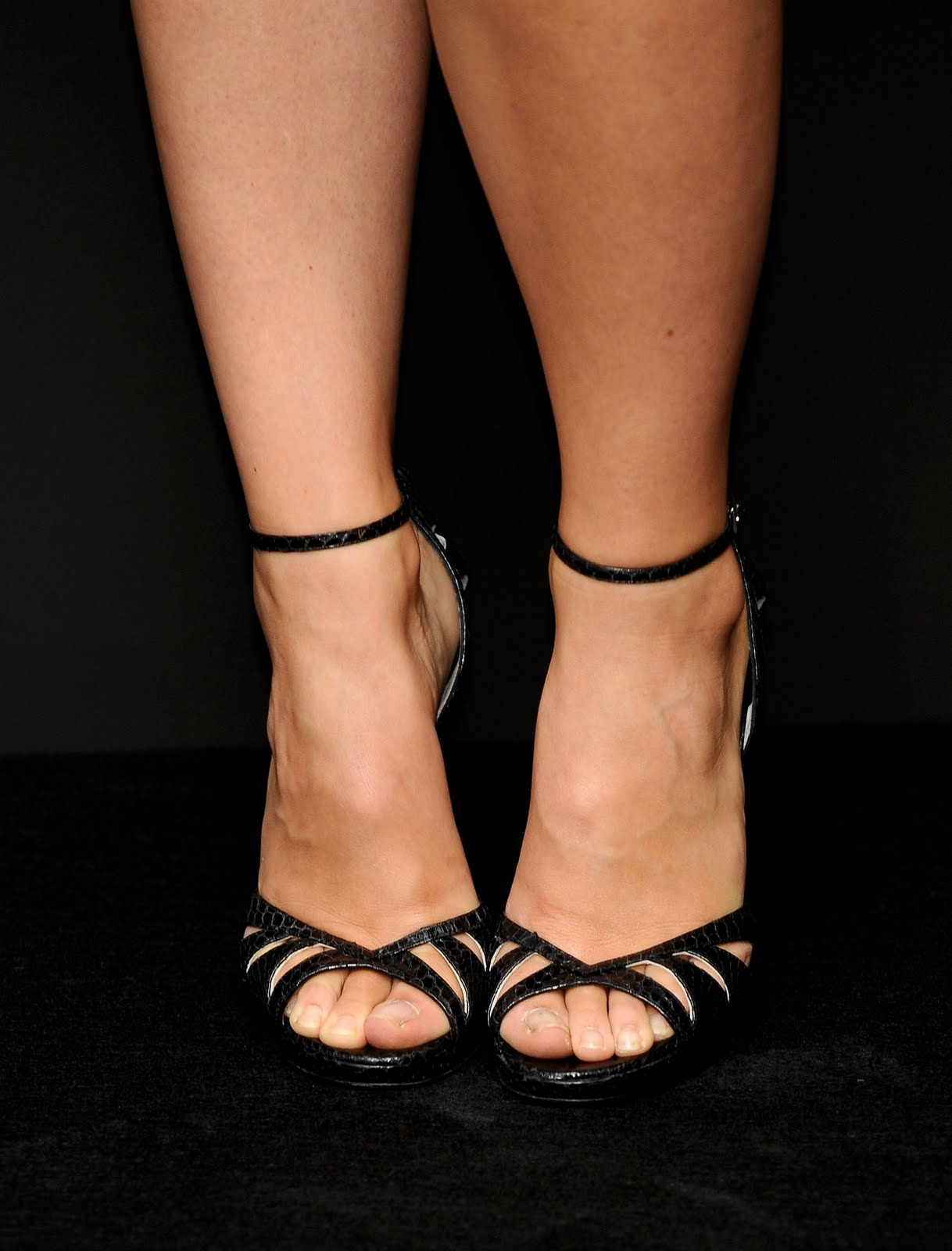 Total Celebrity Olivia Wilde Feet-7068