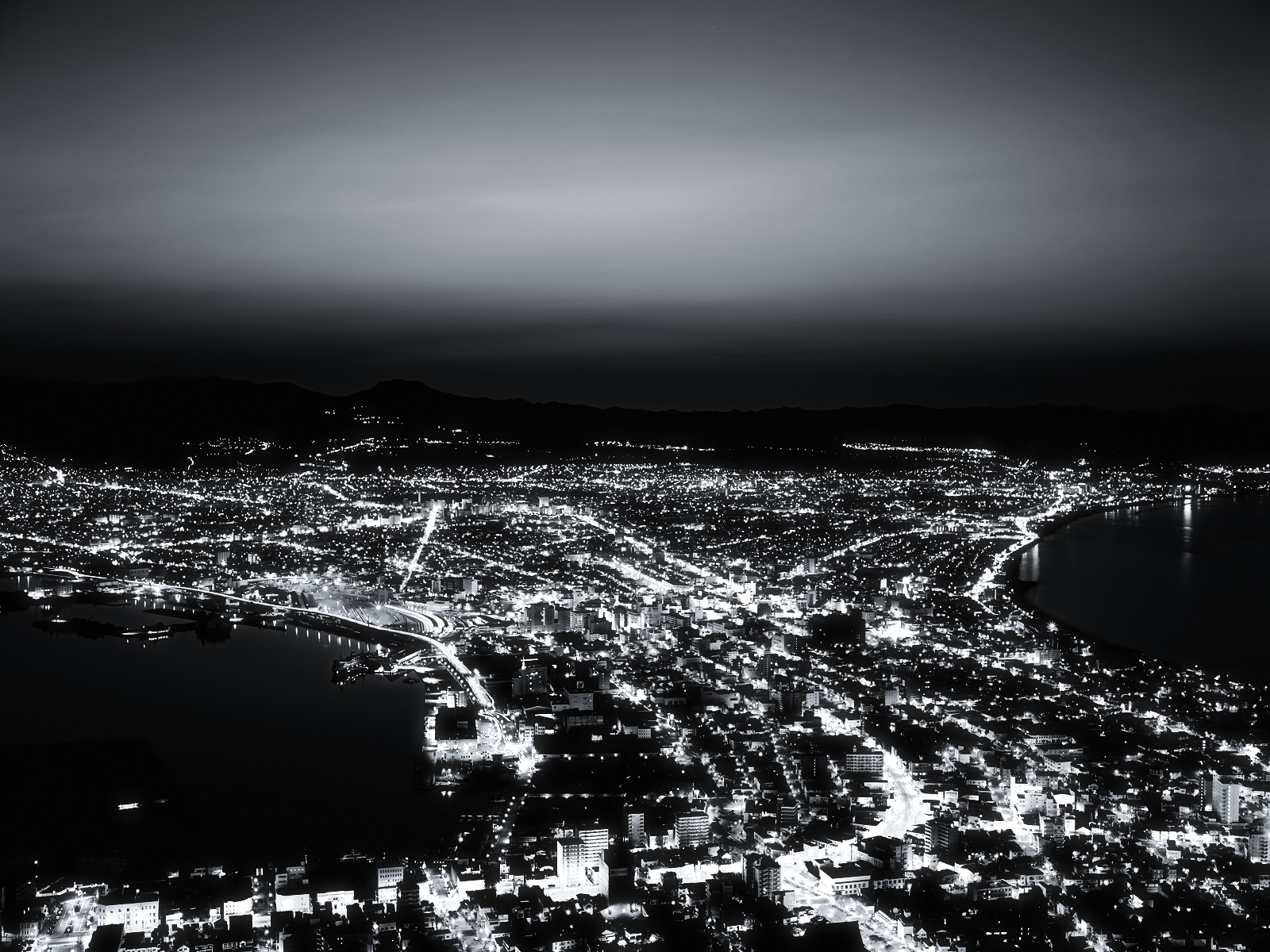Black and White City from the Hill wallpaper – The Long ...