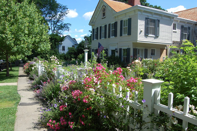 Little Red House: My Dream Garden on My Dream Patio id=73383