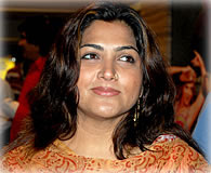 Kushboo to  appear in Salem Court
