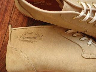 Terrem(テレム)POSTRUN BEIGE ブーツ サイドアップ写真