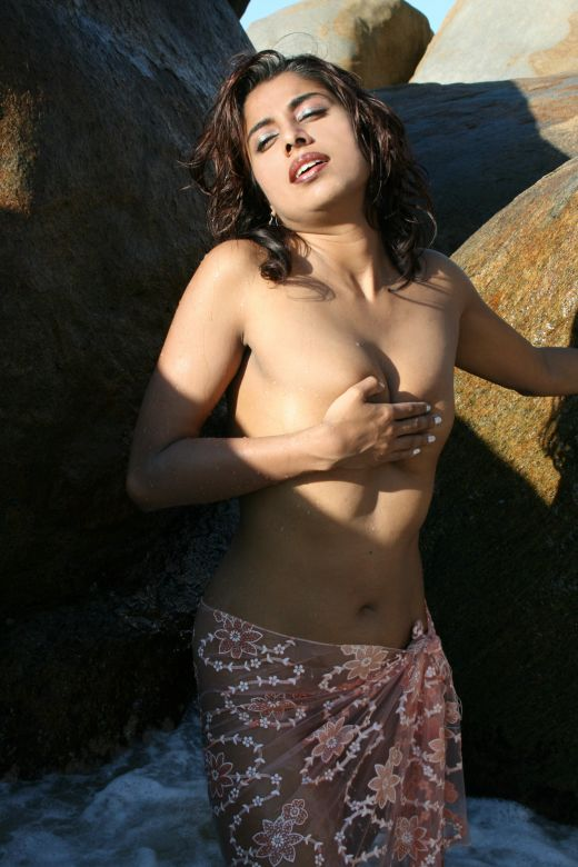 indian actress without bra