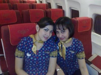 Foto Narsis Pramugari Batavia Air - Yuda Blog