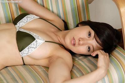 Ren Yoshioka Japnaese Gravure big breast gallery