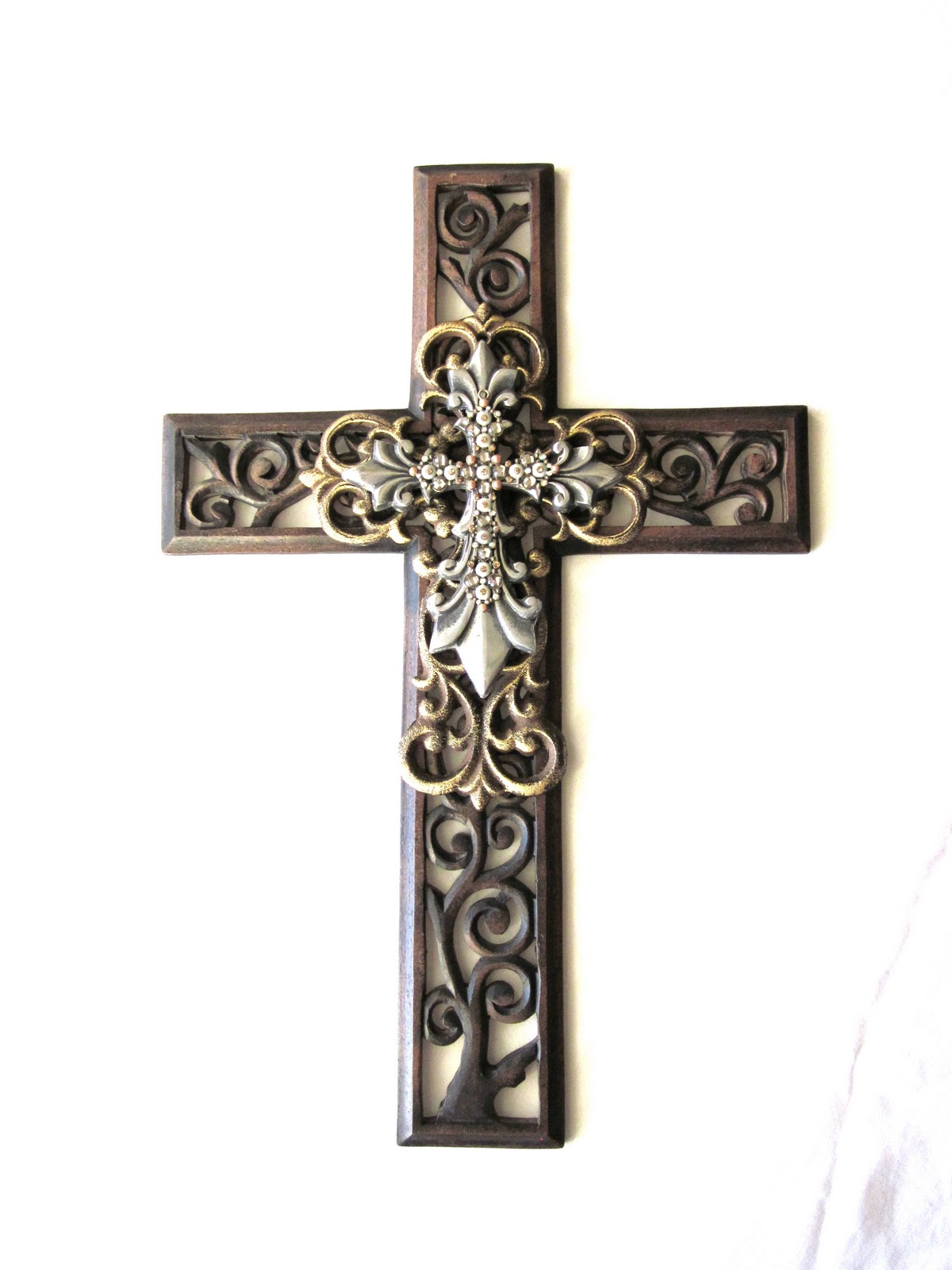 leora lane decor: The Ophelia Wall Cross