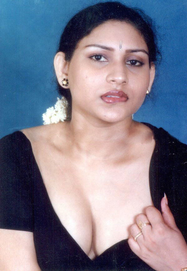 Horny indian aunty change clothes in hd - 1 4