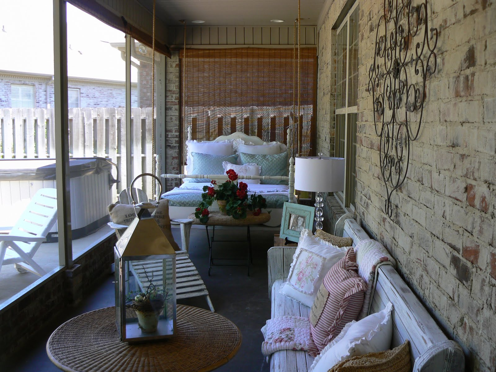 A Well Loved Home: Creating a shabby chic porch.