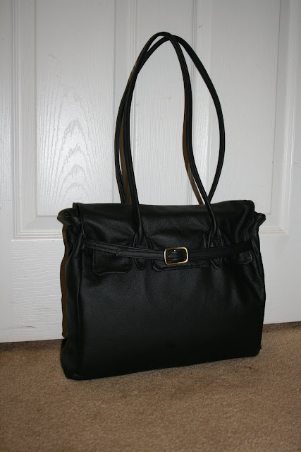 4122b33acba This a knock off Herme Bag I made in Nov 09 with shoulder straps. I used a  vintage vogue pattern I bought on Ebay V7982 I was inspired by the Hermes.com  ...