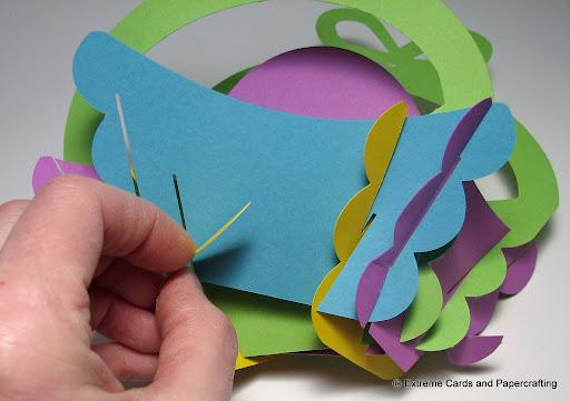 tulip slice form basket assembly