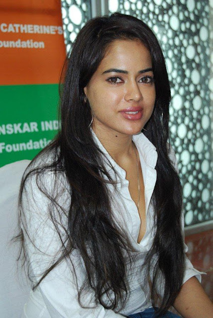 Sameera Reddy Sex 34