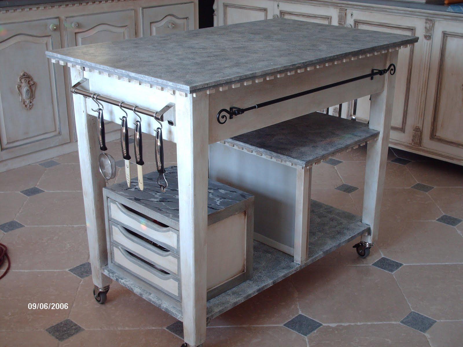 Gustavian Chic : Lavori. Un isola da cucina.