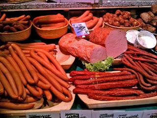 6 Makanan Khas Jerman Ada yang Halal dan Beserta Gambarnya : Bratwurst DLL
