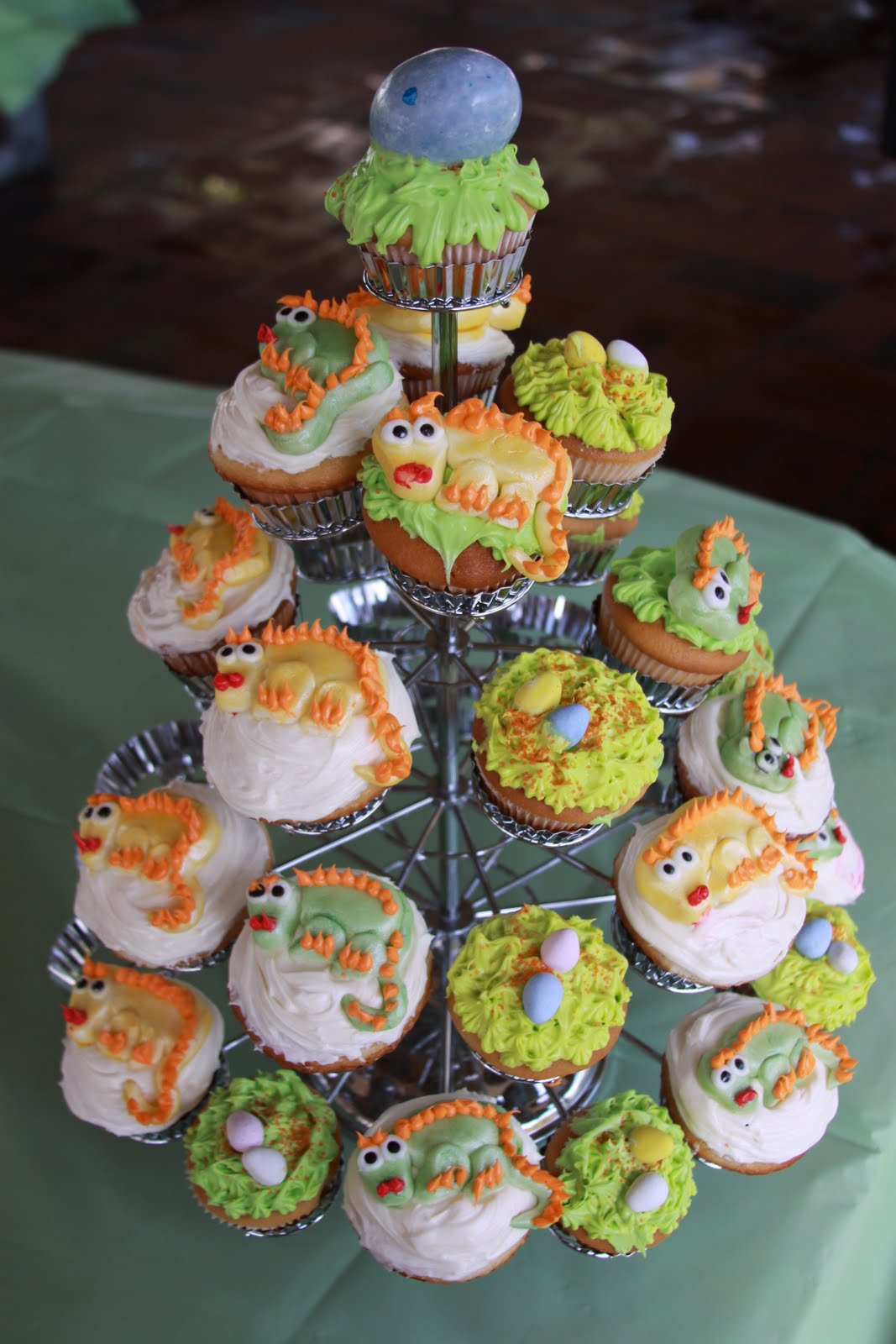 Jessie Cakes!: Dragon Cakes For A Dragon Loving 4 Year Old