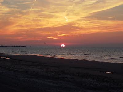 Dunkerque plage coucher de soleil par pierre-yves gires