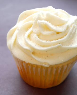 Chef Mommy Starbucks Copycat Vanilla Bean Cupcakes