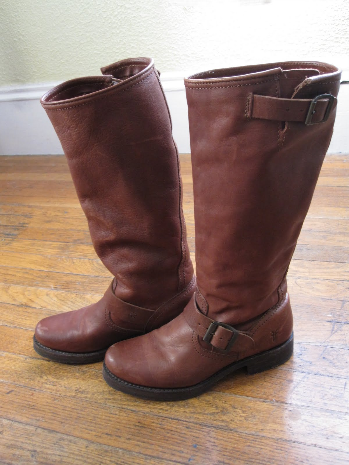 Laws Of General Economy Reduced Frye Veronica Slouch