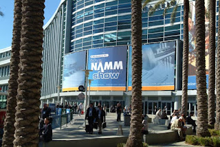 Gene Simmons, Quincy Jones, Yoko Ono, Vince Gill among Music Stars headed to NAMM Show 2010