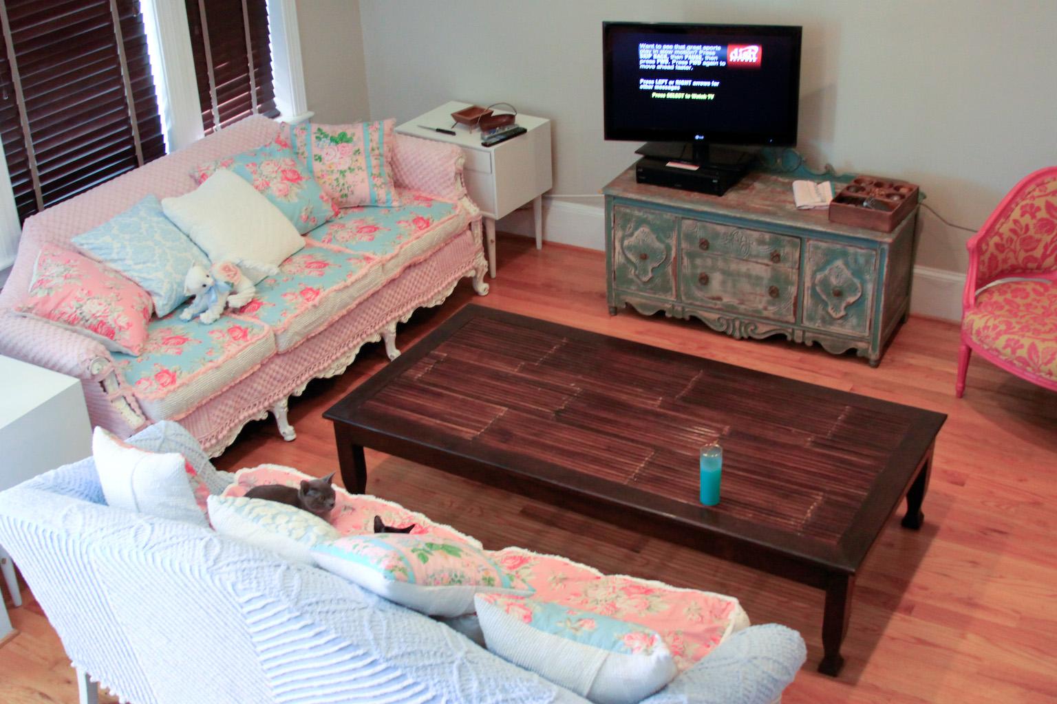 shabby chic sofa bed uk gray vintage furniture schenectady ny
