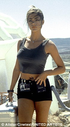 Denise Richards James Bond