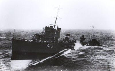 HMS Walker (D-27)