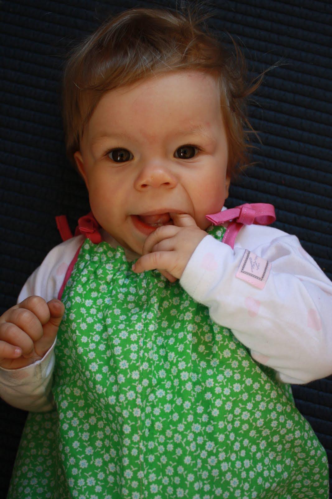 Hello Baby Lou: Iris 11 måneder