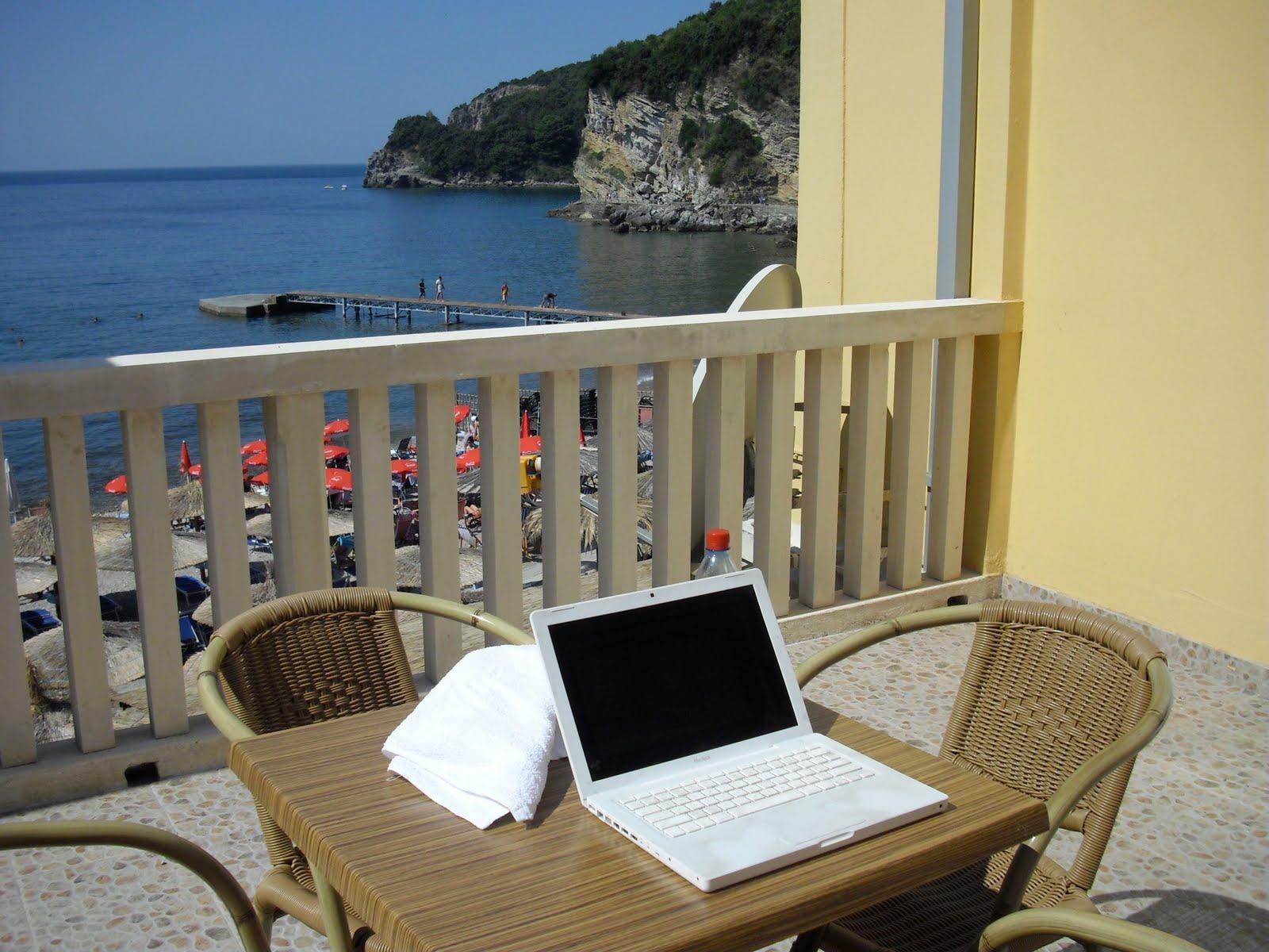 http://2.bp.blogspot.com/_WeSLm4LLLew/TGQVb8EgZKI/AAAAAAAAACA/64kdac4P3fQ/s1600/Montenegro+Patio.jpg