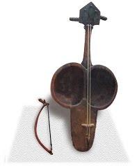 カザフスタンの楽器:コブズ