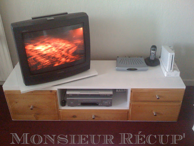 monsieur r cup 39 mon meuble tv. Black Bedroom Furniture Sets. Home Design Ideas
