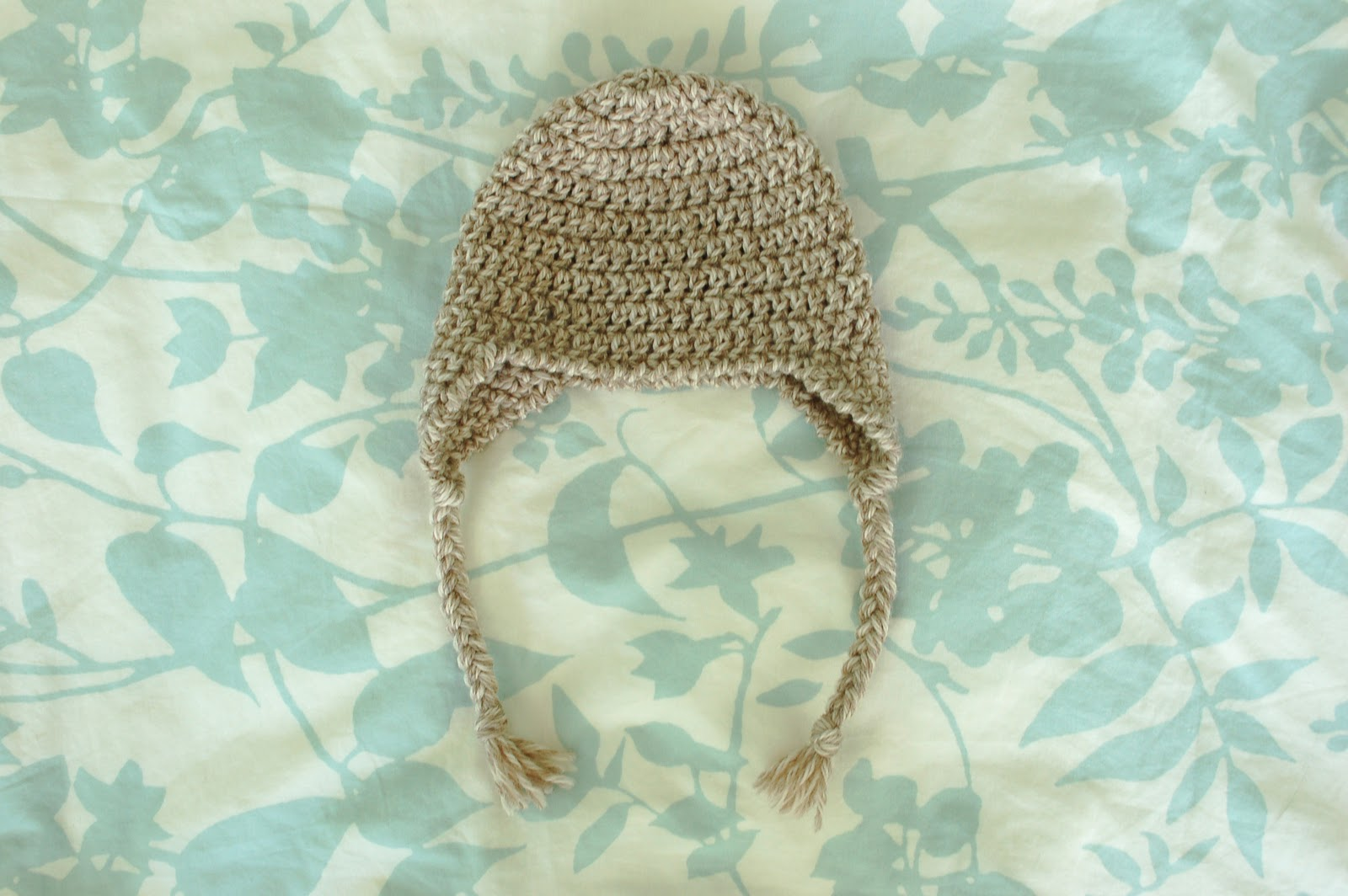 0f2776c689d Alli Crafts  Free Pattern  Baby Earflap Hat - 3 months