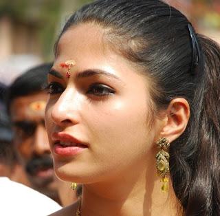 Parvathi Omanakuttan- Uma Maheswaram