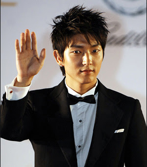 Long hairstyle from Lee Jun Ki