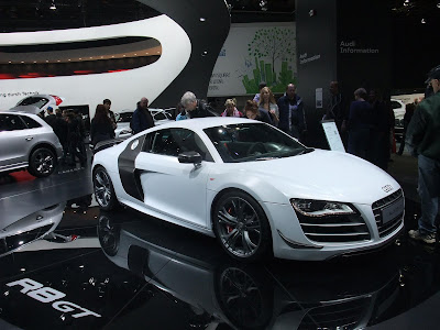 Audi R8 GT, V10 engine, small supercar, cost